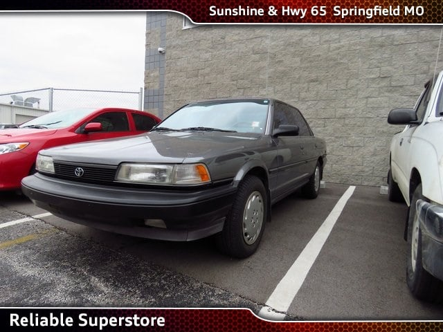 Photo 1990 Toyota Camry Deluxe Sedan FWD For Sale in Springfield Missouri