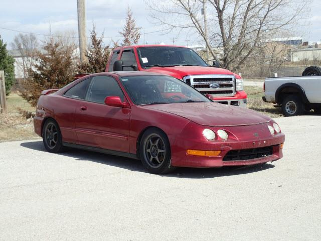 Photo 2001 Acura Integra COUPE LOW MILES FOR THE YEAR 144K MOONROOF