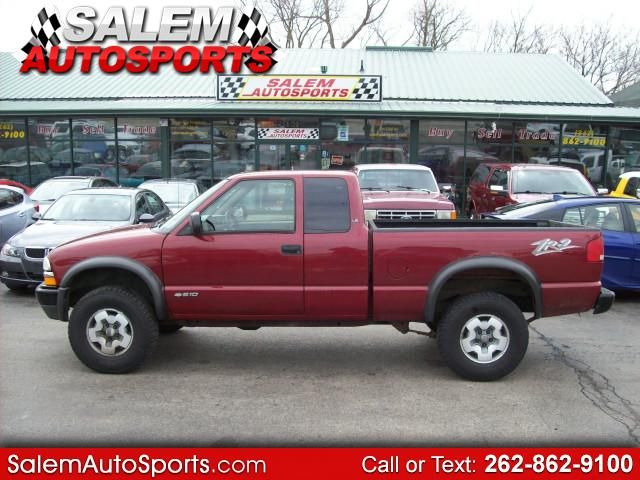 Photo 2003 Chevrolet S10 Pickup LS Ext. Cab Short Bed 4WD