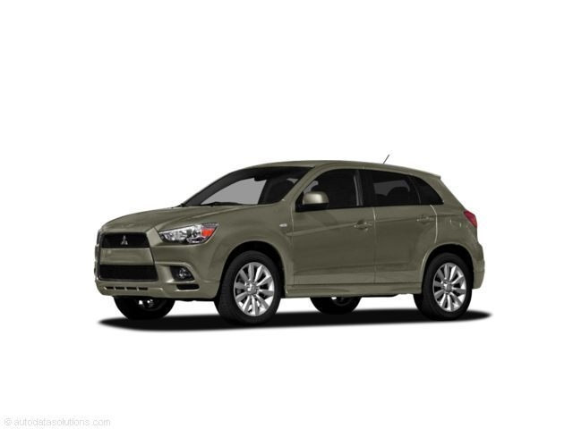 Photo Pre-Owned 2011 Mitsubishi Outlander Sport SE in Peoria, IL