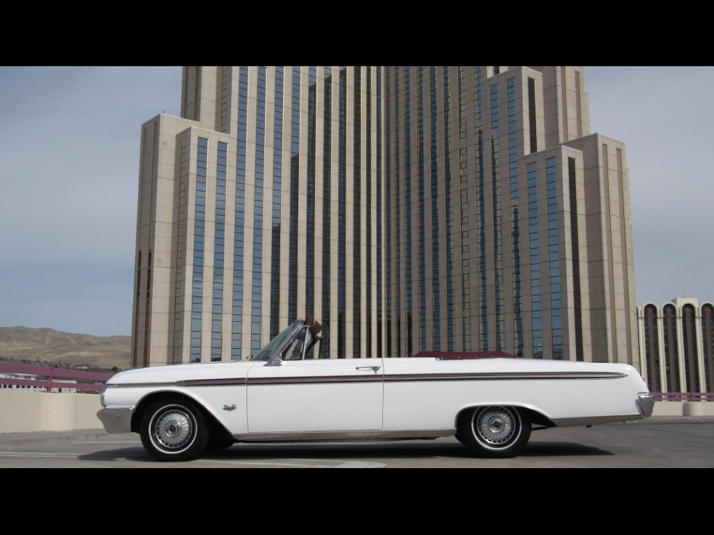 Photo 1962 Ford Fairlane Sunliner Convertible