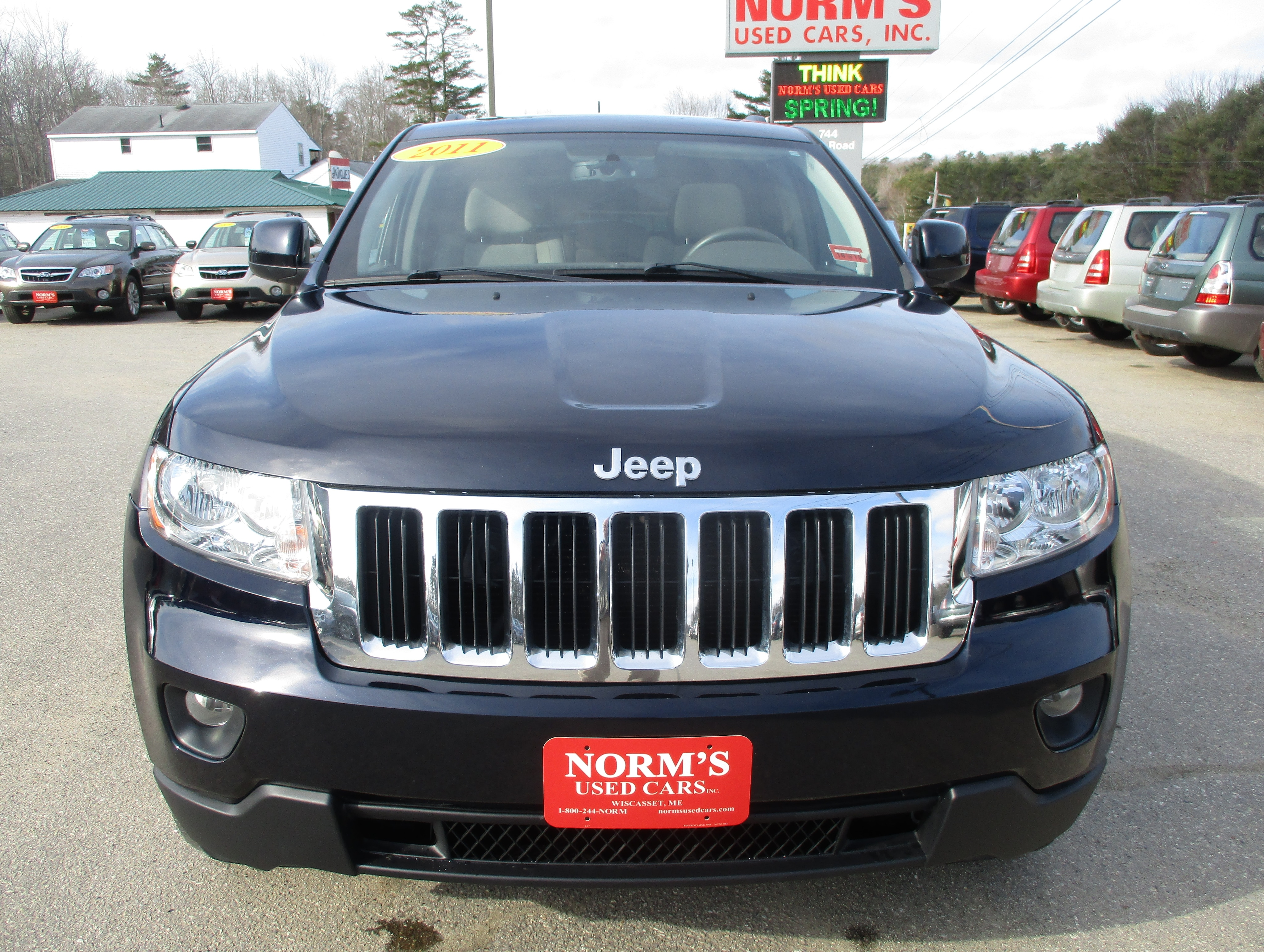 Photo Used 2011 Jeep Grand Cherokee For Sale  Wiscasset ME