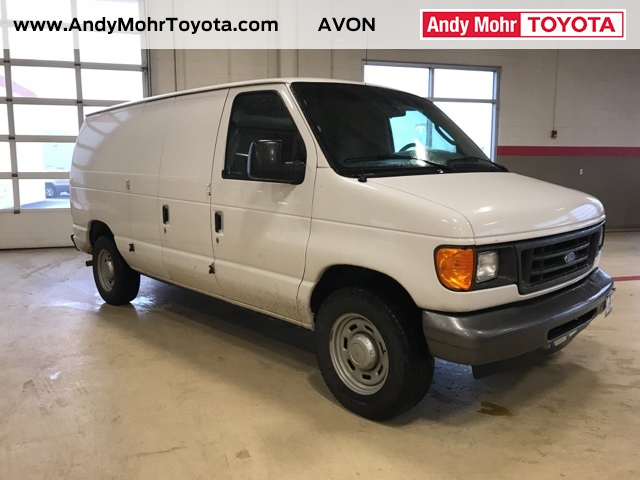 Photo Pre-Owned 2005 Ford E-150 Commercial RWD 3D Cargo Van