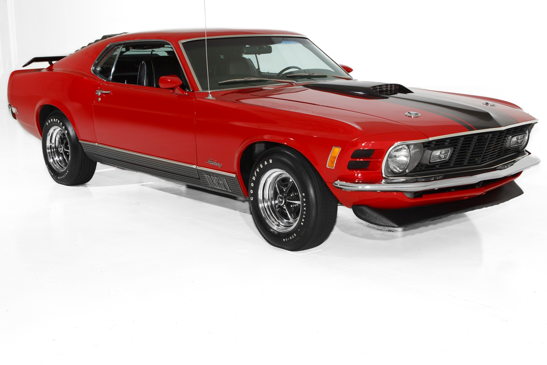 Photo 1970 Ford Mustang Candy Apple Red Mach 1, 351ci, Auto