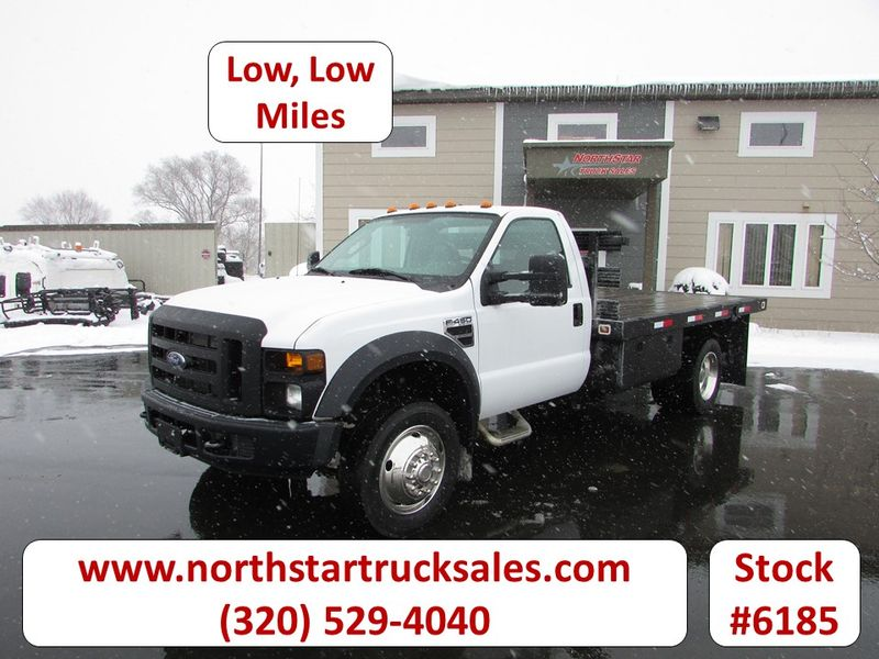 Photo Used 2008 Ford F-450 Flat-Bed Truck