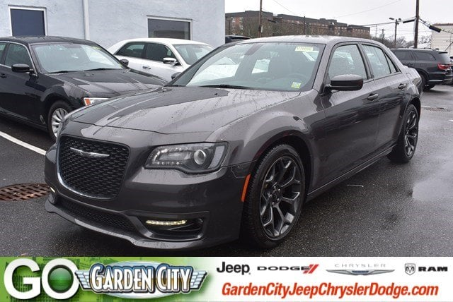 Photo Certified Used 2017 Chrysler 300 300S 300S RWD For Sale  Hempstead, Long Island, NY