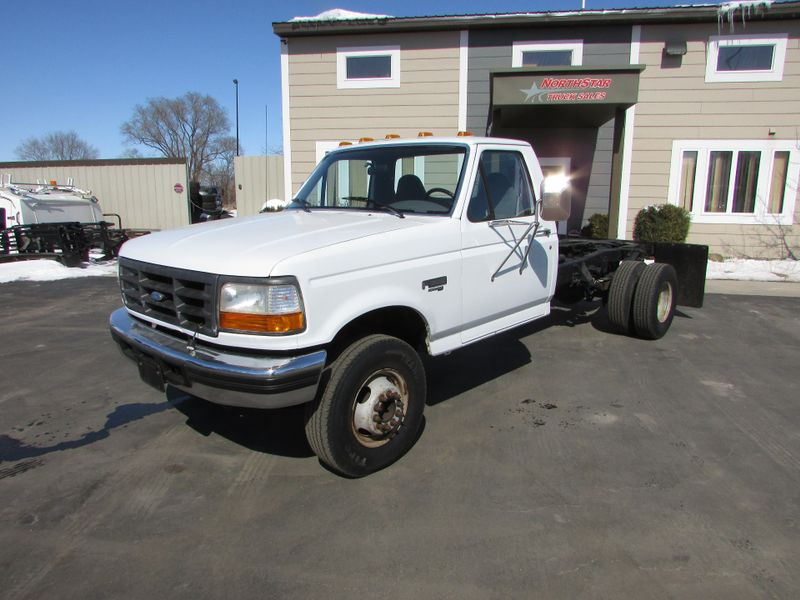 Photo Used 1997 Ford F-Super Duty Chassis Cab