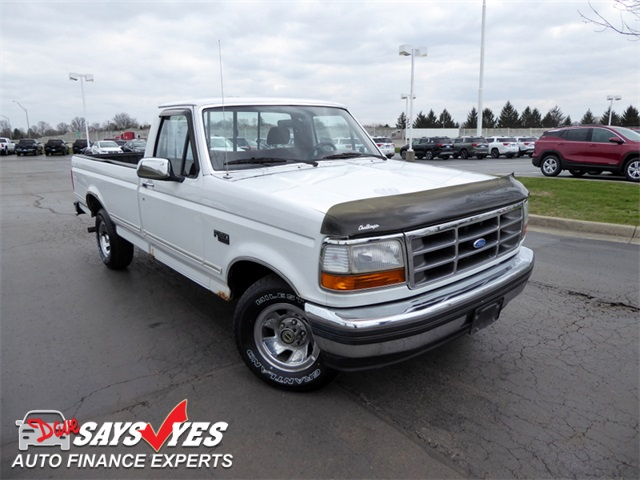 Photo Pre-Owned 1995 Ford F-150 RWD