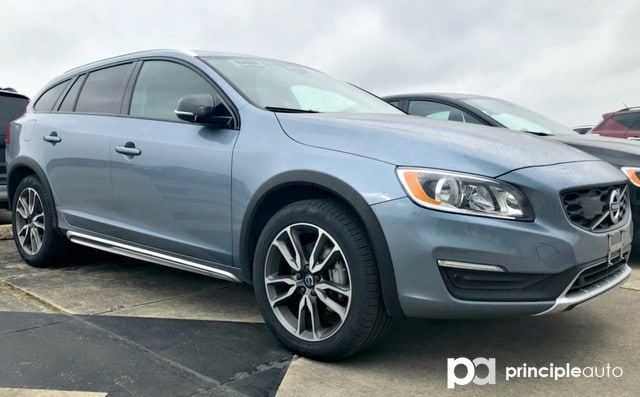 Photo Certified Pre-Owned 2017 Volvo V60 Cross Country Wagon For Sale San Antonio, Texas