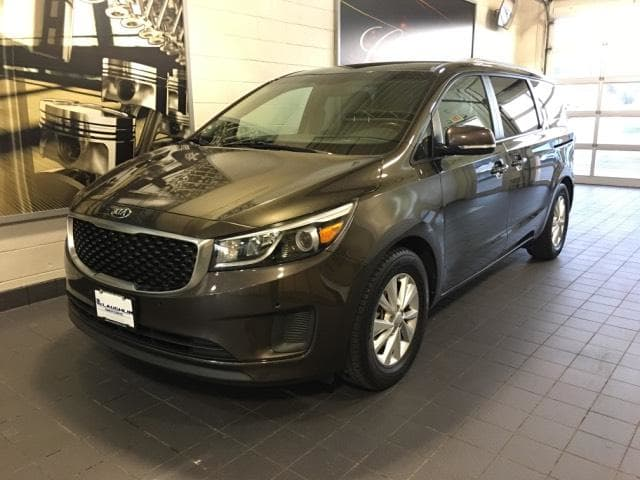 Photo 2017 Used Kia Sedona LX FWD For Sale in Moline IL  Serving Quad Cities, Davenport, Rock Island or Bettendorf  P18135