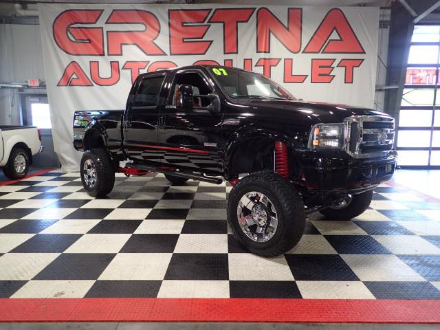 Photo 2007 Ford F-250 SD LIFTED LARIAT TURBO DIESEL CREW 4X4 NEW RIMSTIRES