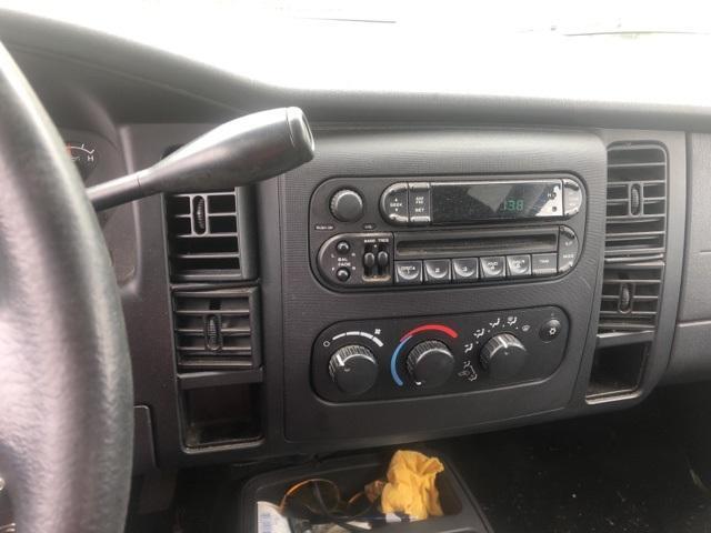 Photo Pre-Owned 2004 Dodge Dakota Sport RWD 4D Quad Cab