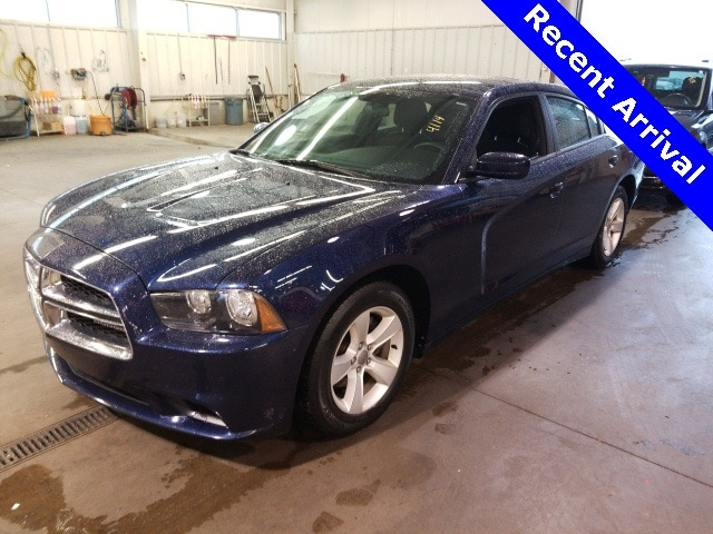 Photo Used 2014 Dodge Charger SE in Cincinnati, OH