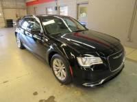 2017 Chrysler 300 Limited Sedan Rear-wheel Drive near Orlando FL