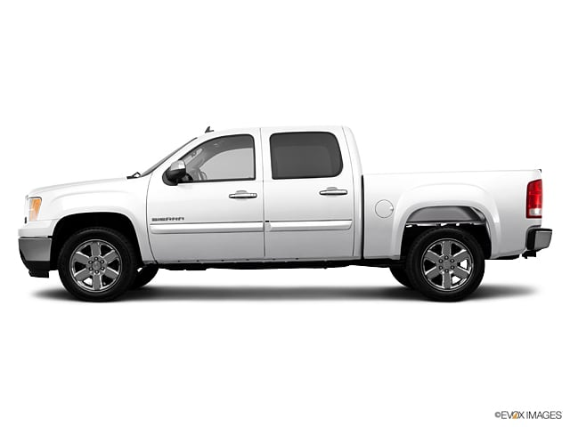 Photo Used 2013 GMC Sierra 1500 SLE 2WD Truck Crew Cab For Sale Leesburg, FL