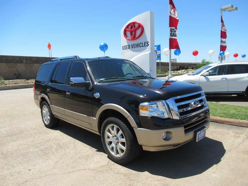 Photo Used 2014 Ford Expedition King Ranch SUV RWD For Sale in Houston