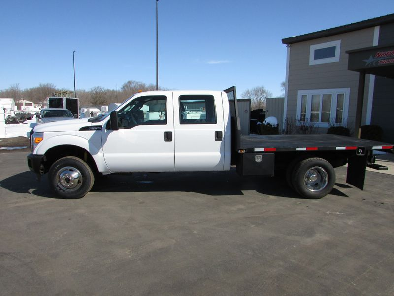 Photo Used 2012 Ford F-350 Flat-Bed Truck
