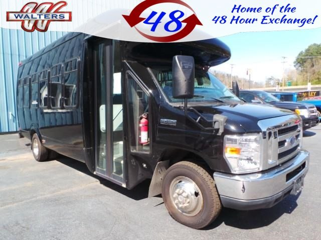 Photo Pre-Owned 2011 Ford Econoline Commercial Cutaway E-450 Super Duty RWD Specialty Vehicle