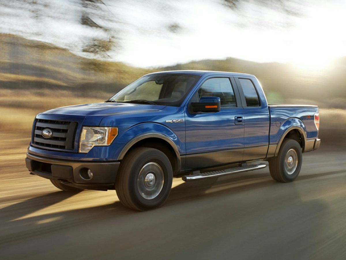 Photo Pre-Owned 2009 Ford F-150 SuperCrew XLT Truck SuperCrew Cab For Sale  Raleigh NC