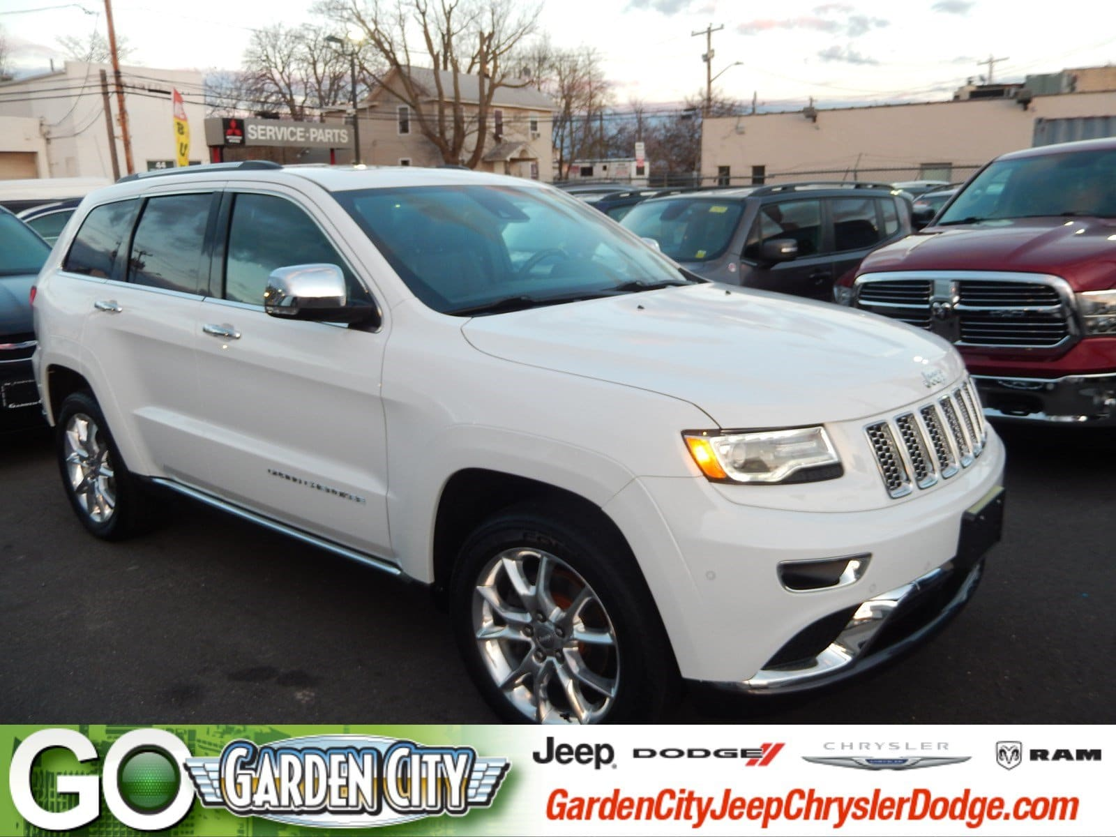 Photo Used 2015 Jeep Grand Cherokee Summit 4WD Summit For Sale  Hempstead, Long Island, NY