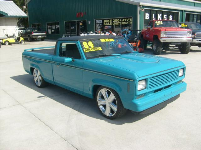 Photo 1984 Ford Ranger Chop Top Lowered 4 inches 302 v8 conversion Chrome