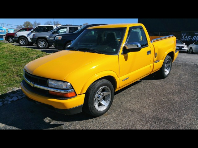 Photo 2003 Chevrolet S10 Pickup 2WD