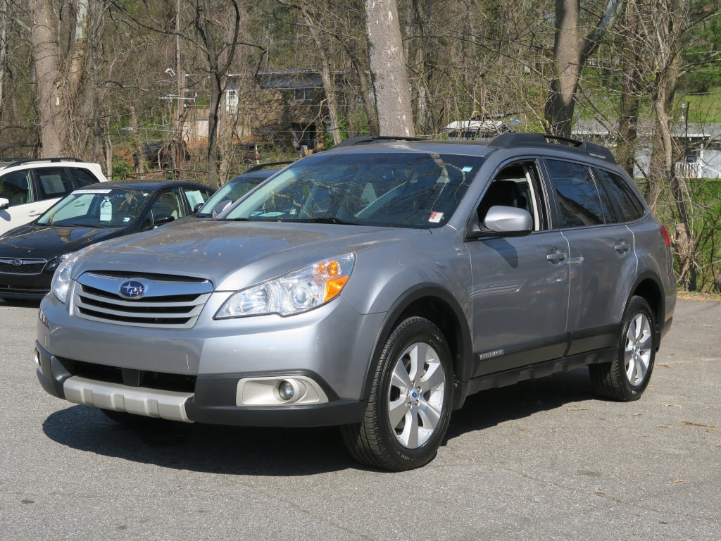 Photo Used 2011 Subaru Outback 3.6R Limited for Sale in Asheville near Hendersonville, NC