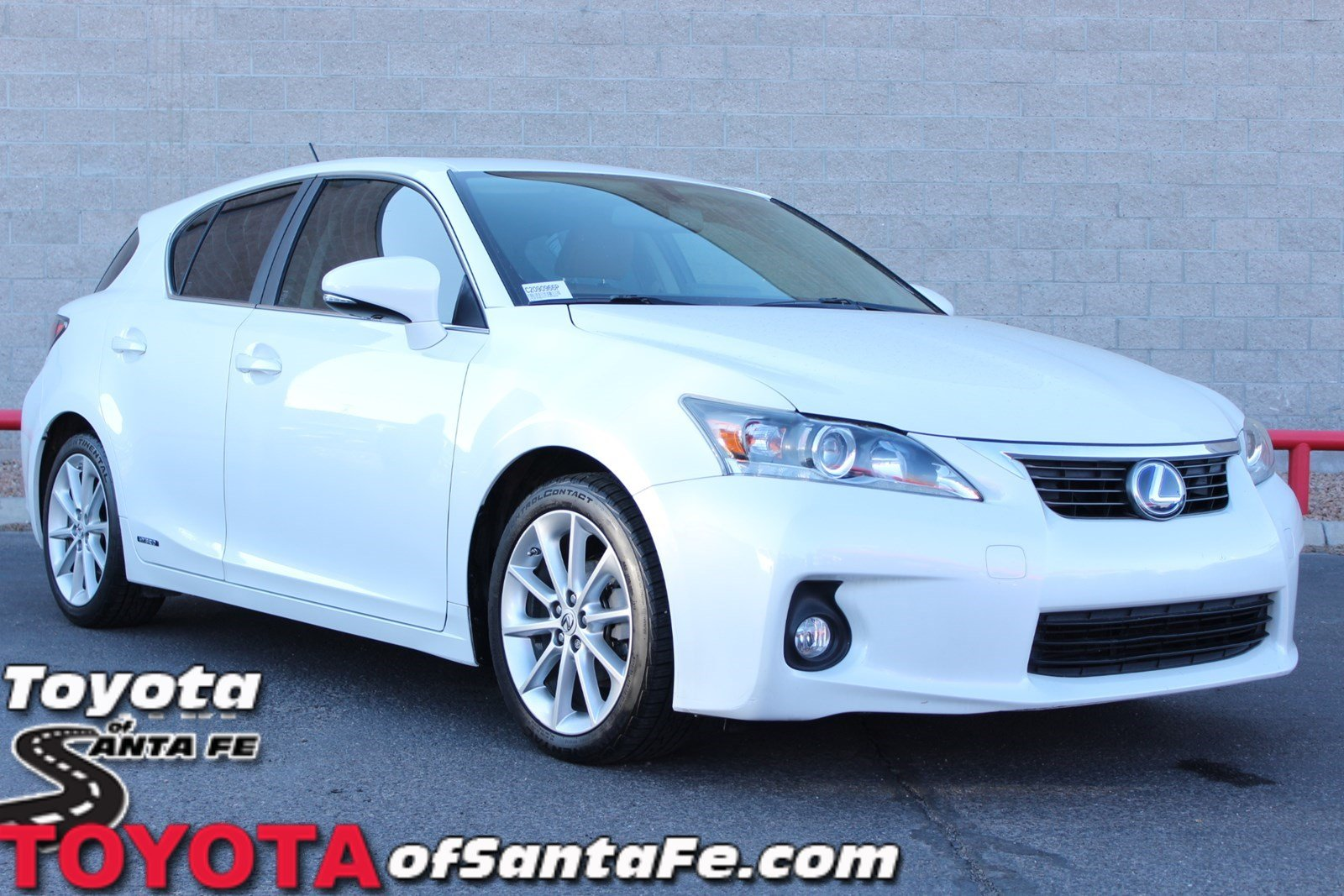 Photo Pre-Owned 2012 Lexus CT 200h Premium With Navigation