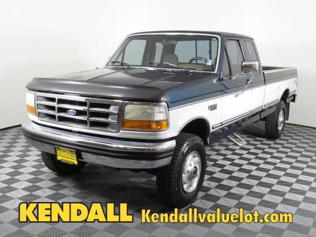 Photo Pre-Owned 1995 Ford F-250