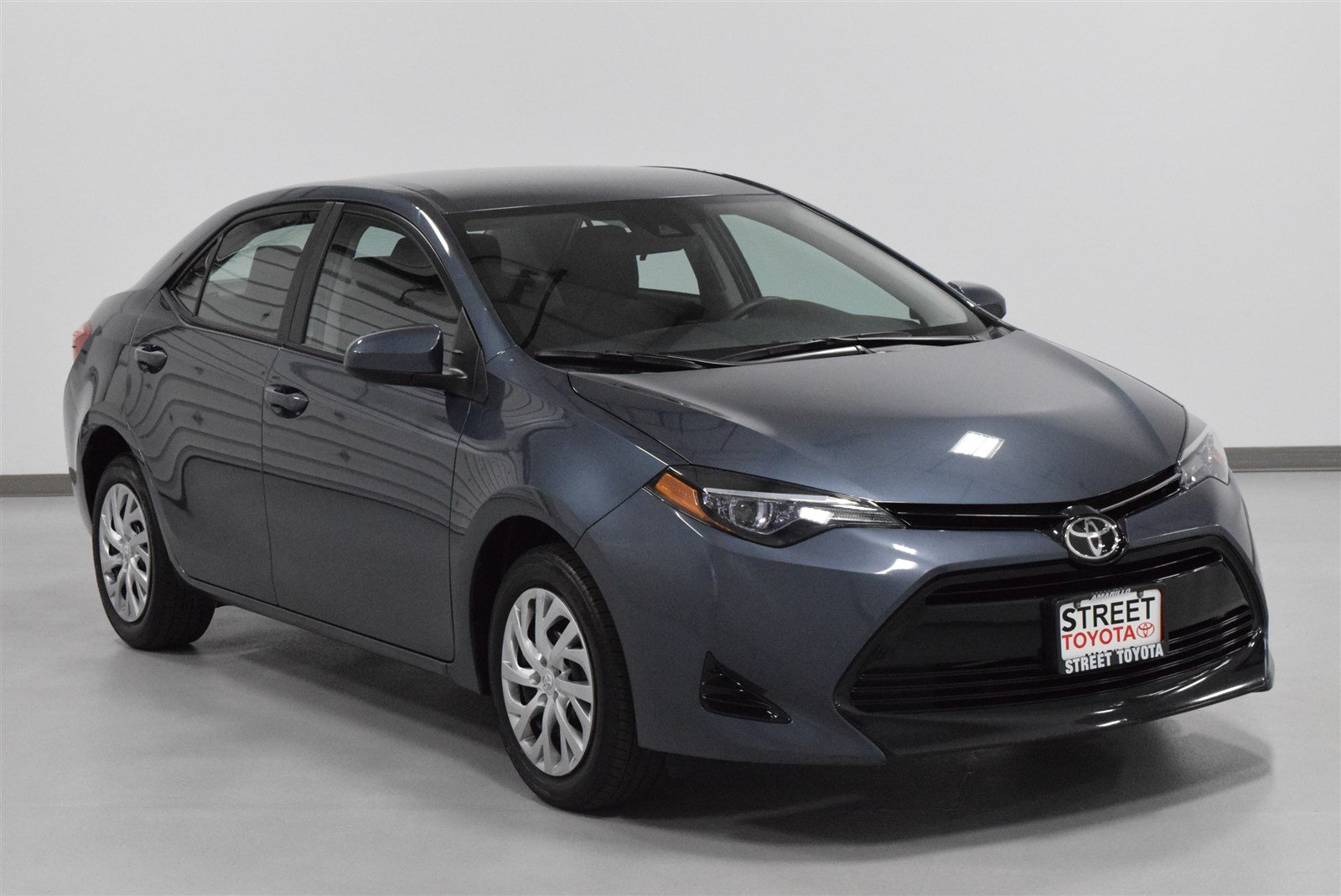 Photo Certified Pre-Owned 2017 Toyota Corolla LE FWD 4dr Car For Sale in Amarillo, TX
