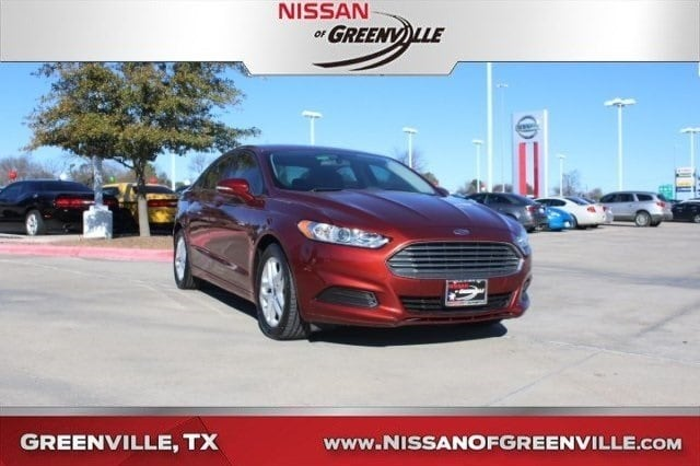 Photo Used 2014 Ford Fusion SE Sedan for Sale in Greenville, TX