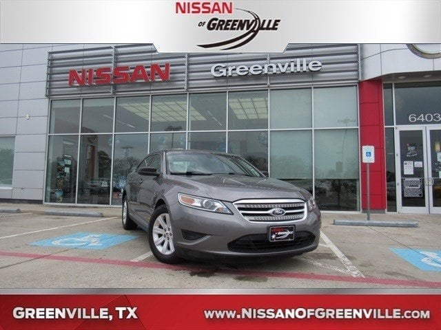 Photo Used 2012 Ford Taurus SE Sedan for Sale in Greenville, TX