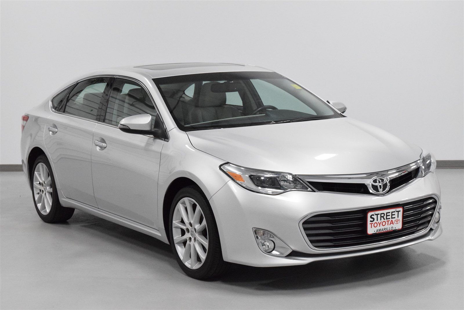 Photo Certified Pre-Owned 2013 Toyota Avalon XLE FWD 4dr Car For Sale in Amarillo, TX