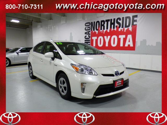 Photo Used 2015 Toyota Prius 5dr HB Two For Sale Chicago, IL