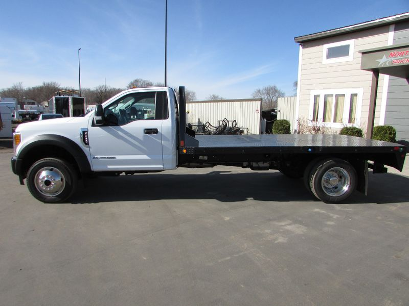 Photo Used 2017 Ford F-450 4x4 Flat-Bed Truck