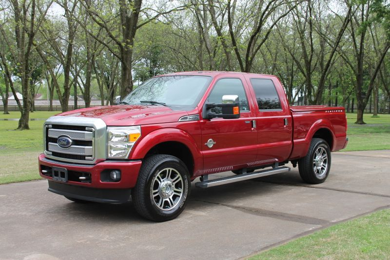 Photo Used 2015 Ford F-250 Crew Cab 4WD Platinum Powerstroke Diesel 1 Owner Perfect Carfax