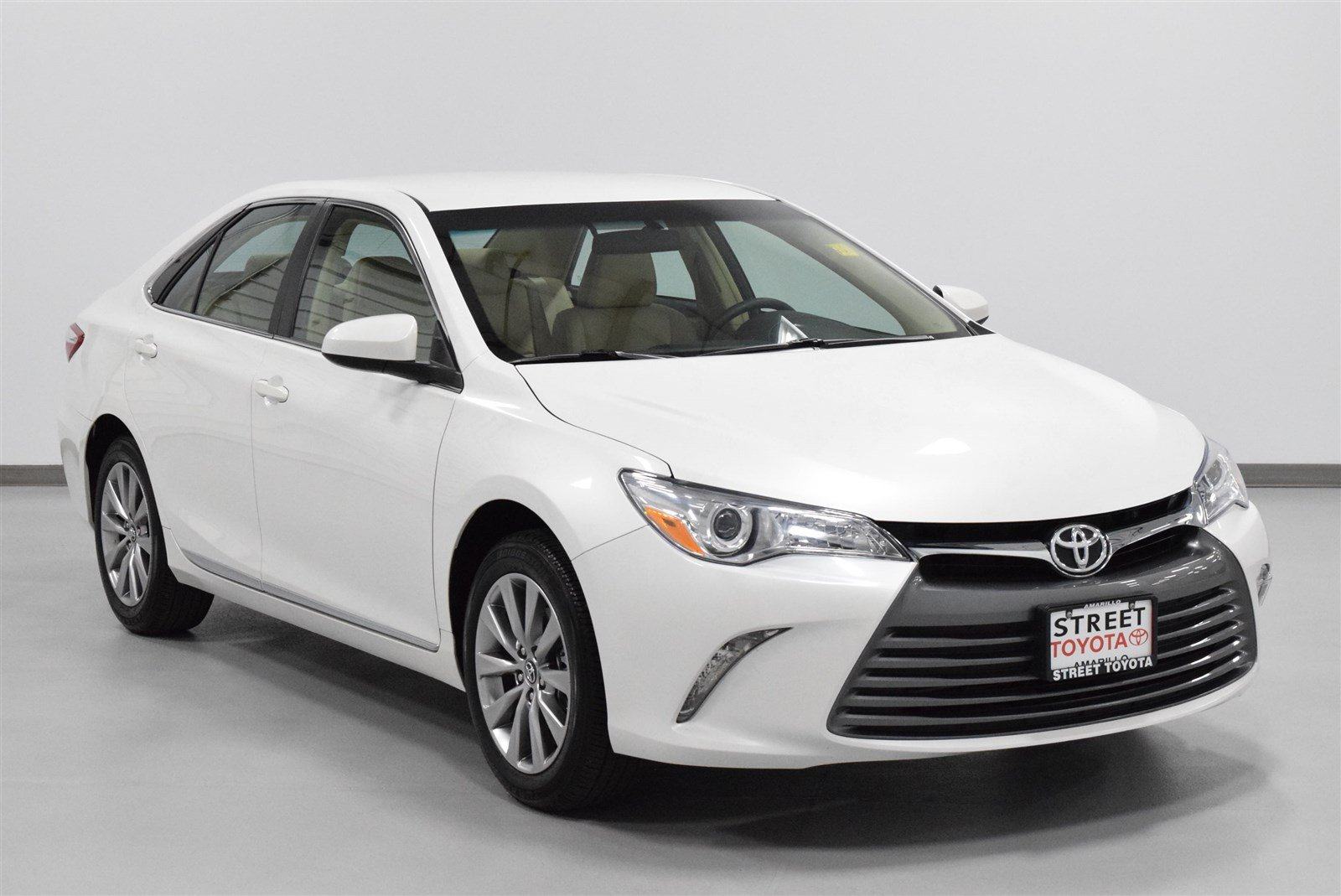 Photo Certified Pre-Owned 2017 Toyota Camry XSE FWD 4dr Car For Sale in Amarillo, TX