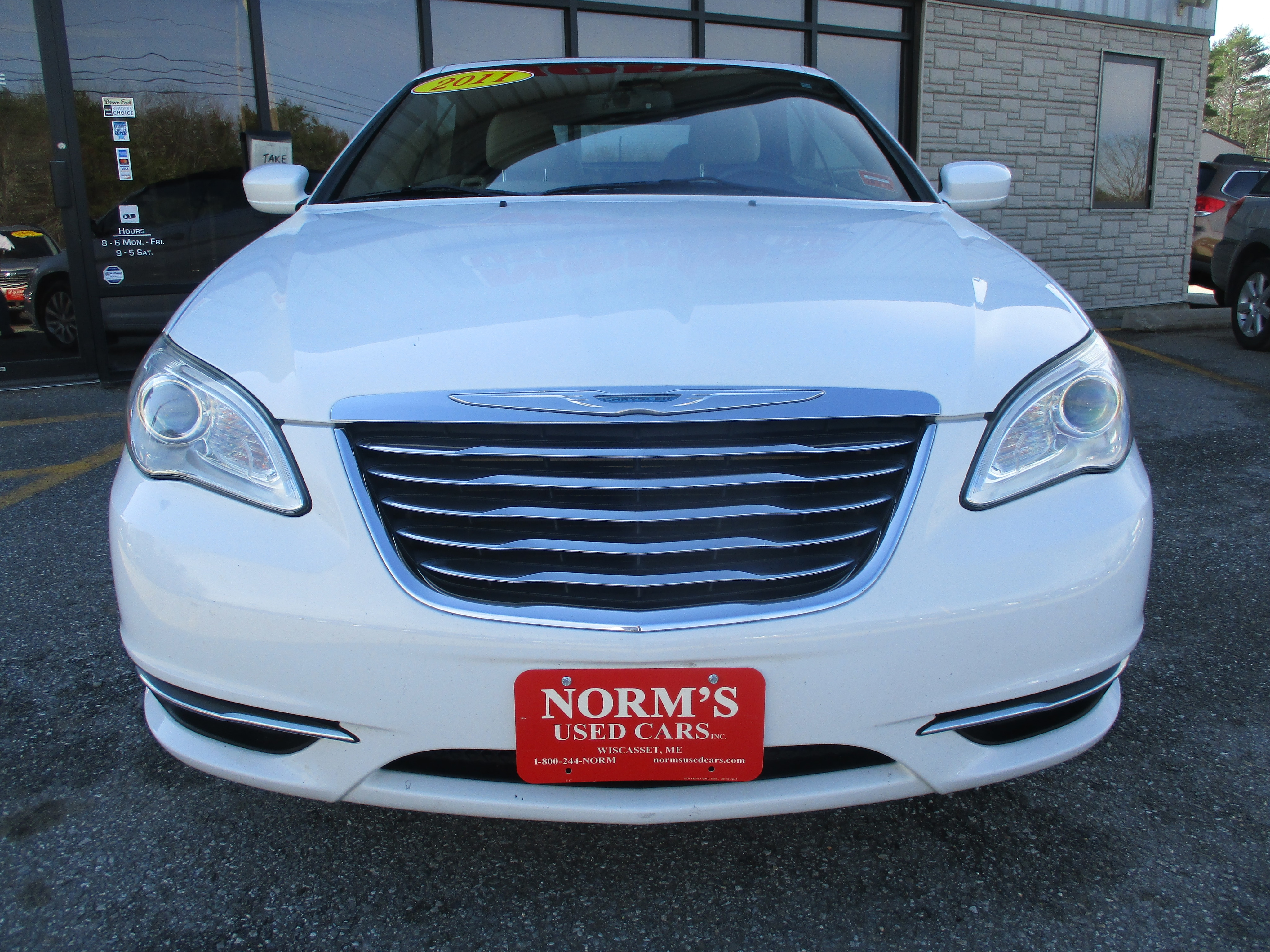 Photo Used 2011 Chrysler 200 For Sale  Wiscasset ME