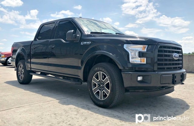 Photo Used 2015 Ford F-150 Platinum, Alloy Wheels, Power Seats, Heated Seats, Truck SuperCrew Cab For Sale San Antonio, TX