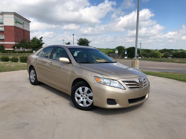 Photo 2011 Toyota Camry LE
