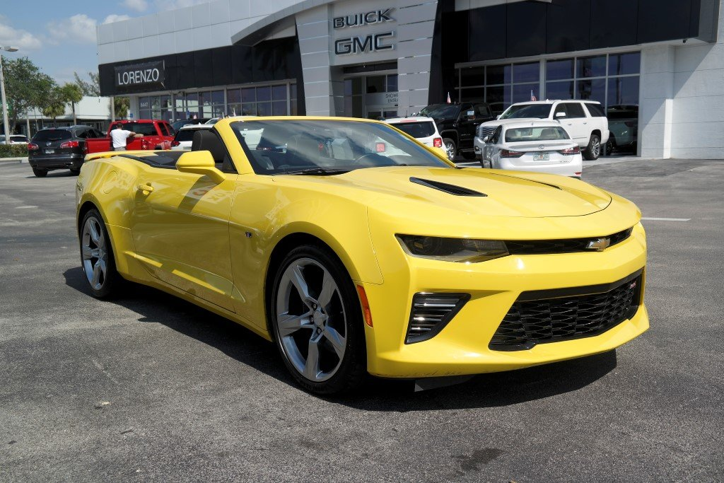 Photo Pre-Owned 2017 Chevrolet Camaro CONVERTIBLE SS RWD Convertible