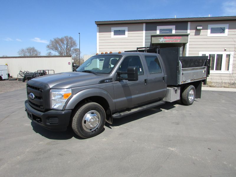 Photo Used 2011 Ford F-350 Crew-Cab Flat-Bed