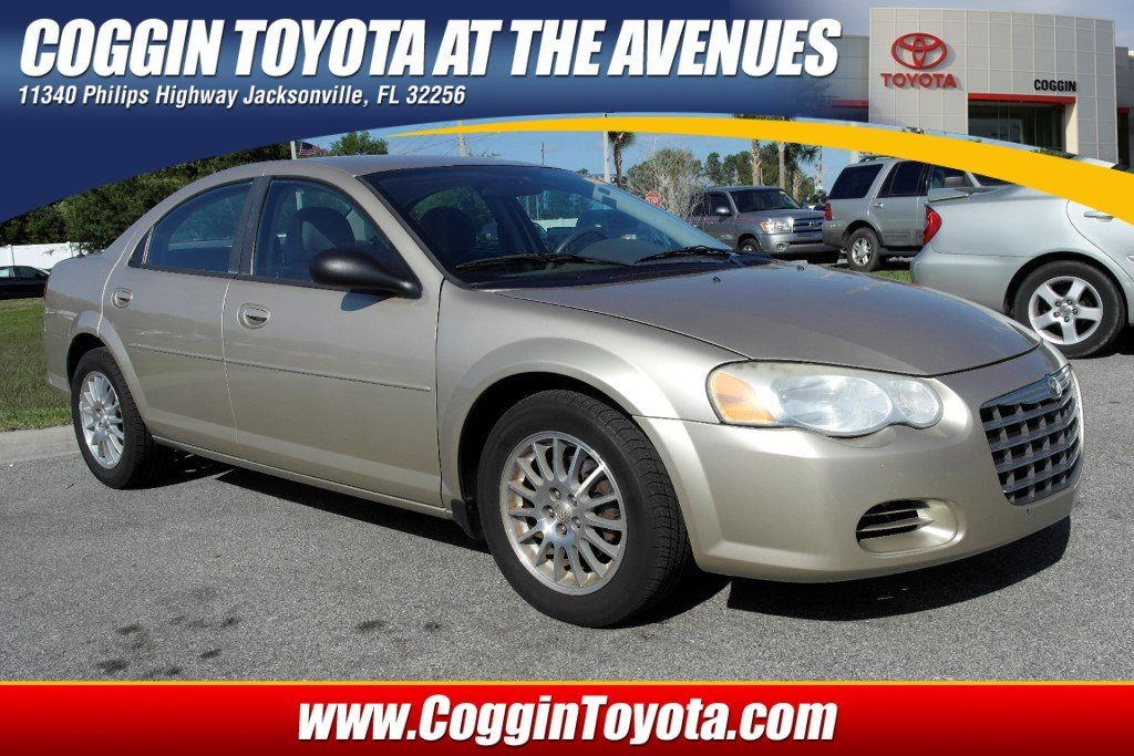 Photo Pre-Owned 2005 Chrysler Sebring Base Sedan Front-wheel Drive in Jacksonville FL