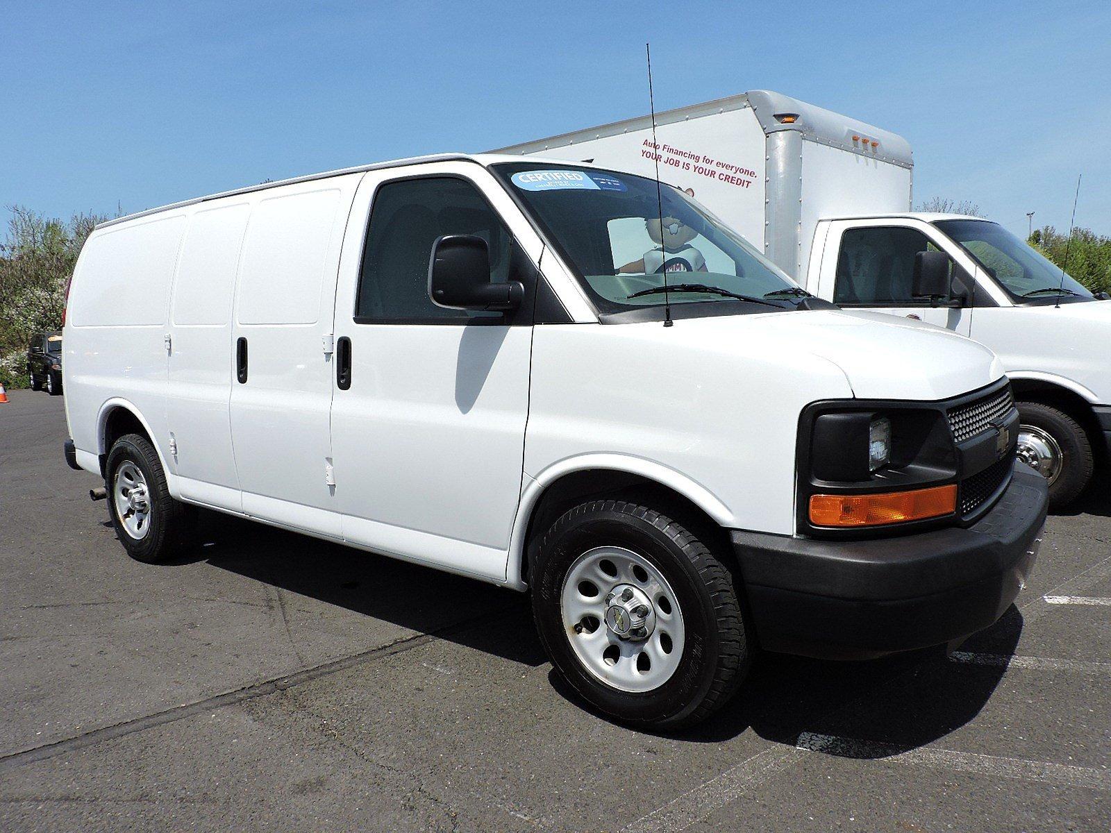 Photo 2014 Chevrolet Express 1500 CARGO Van