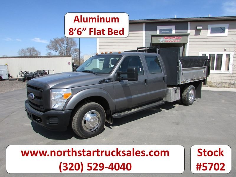 Photo Used 2011 Ford F-350 Flat Bed Truck