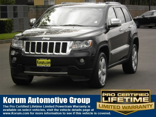 Photo Used 2013 Jeep Grand Cherokee Overland SUV V8 Multi Displacement VVT for Sale in Puyallup near Tacoma