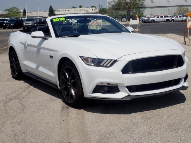 Photo Pre-Owned 2016 Ford Mustang GT Premium in Peoria, IL