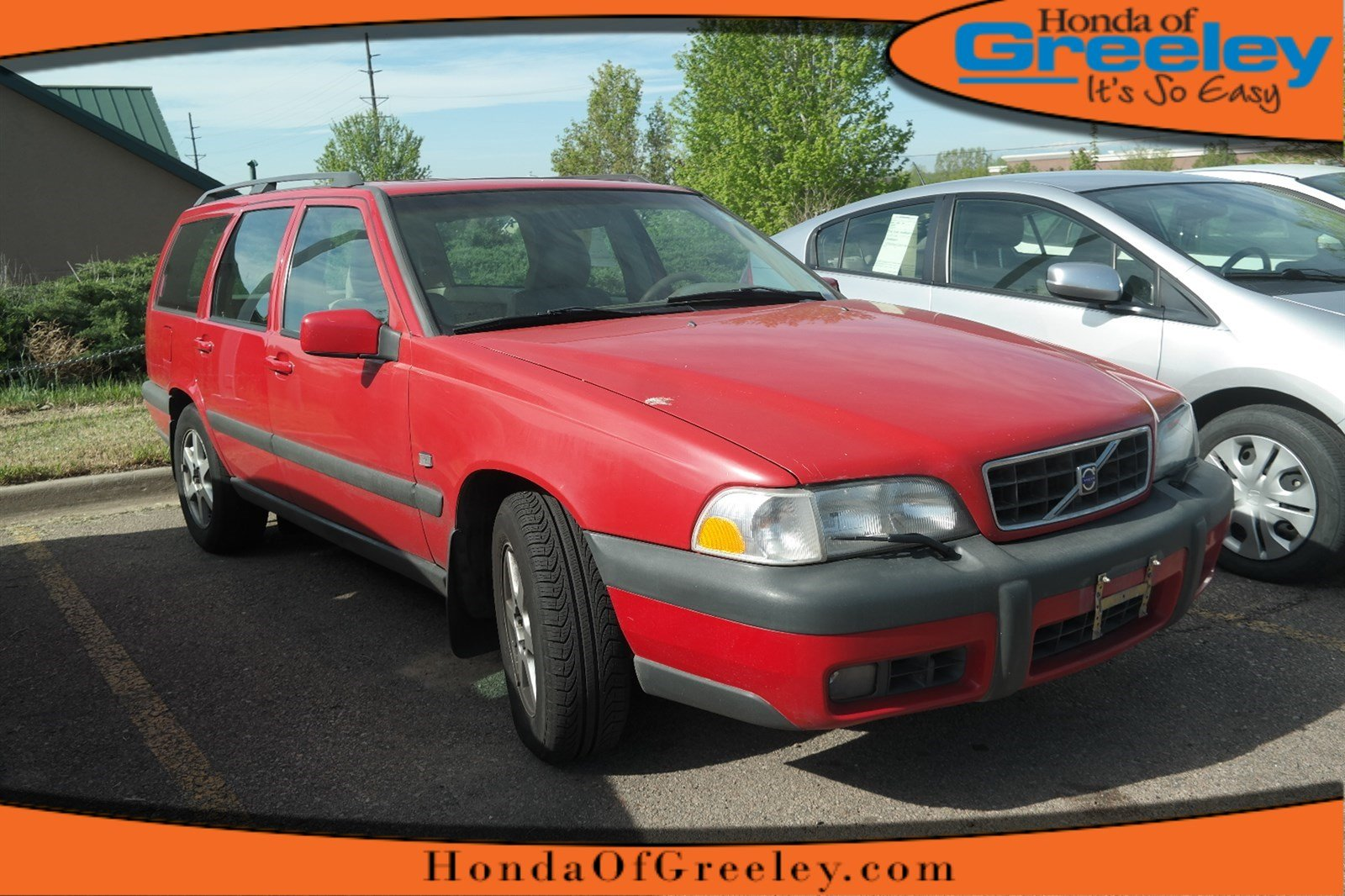 Photo Pre-Owned 1999 Volvo V70 XC 4-Wheel Drive Station Wagon For Sale in Greeley, Loveland, Windsor, Fort Collins, Longmont, Colorado