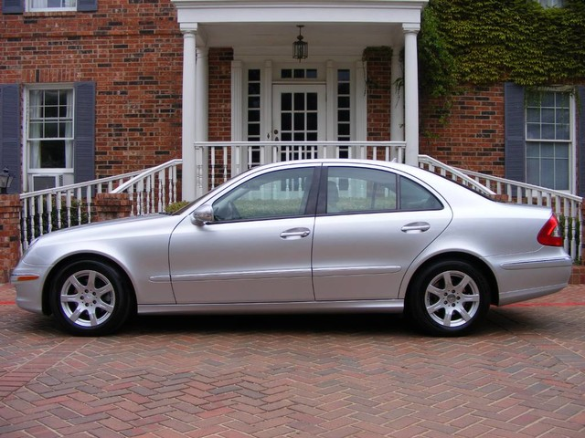 Photo 2008 Mercedes-Benz E-Class 3.0L DIESEL 1-OWNER IMMACULATE CONDITION PERFECT DRIVE