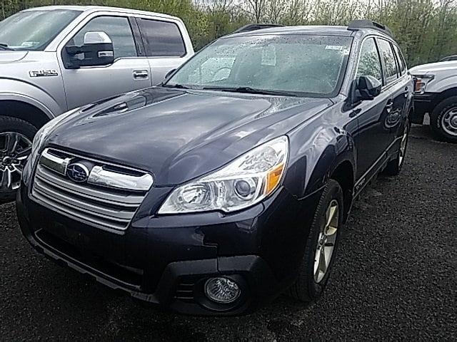 Photo Used 2013 Subaru Outback 2.5i Premium Wagon in Utica, NY